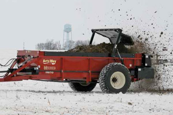 Art's Way | Manure Spreaders | Horizontal Beater Manure Spreader