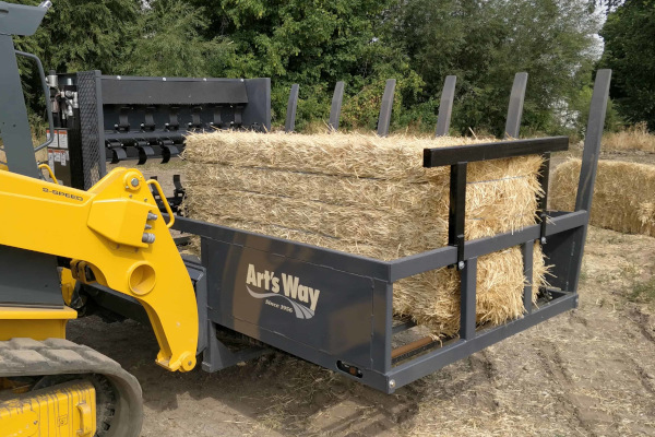 Art's Way | TOP-SPREAD Loader Mounted Spreader | Model 864 Top-Spread