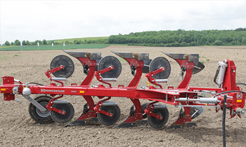 Kongskilde-FULLY-MOUNTED-REVERSIBLE-PLOUGH.jpg