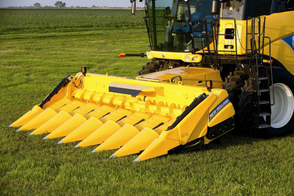 New Holland | Corn Heads | Model 980CR Rigid Corn Header - 8 rows