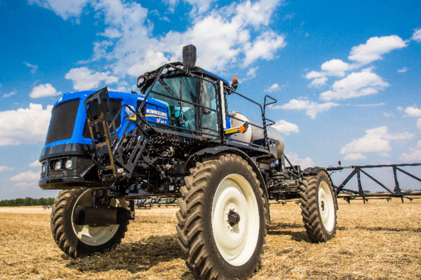 New Holland | Spraying Equipment | Guardian Rear Boom Sprayers - Tier 4B
