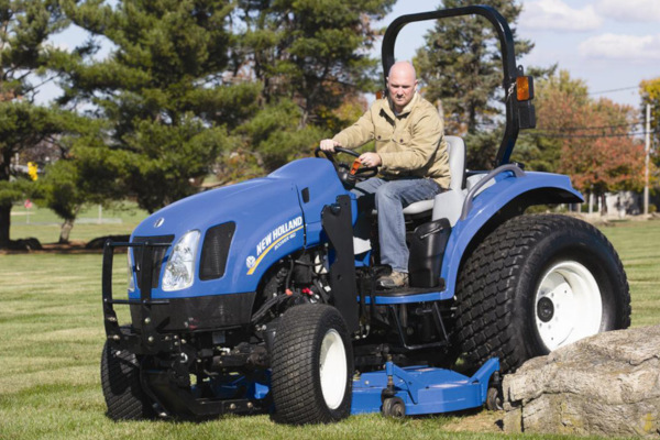 New Holland | Front Loaders & Attachments | Mid-Mount Finish Mowers