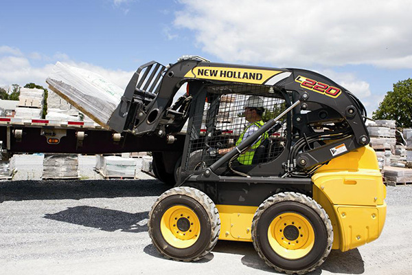 New Holland | Skid Steer Loaders | Model L220