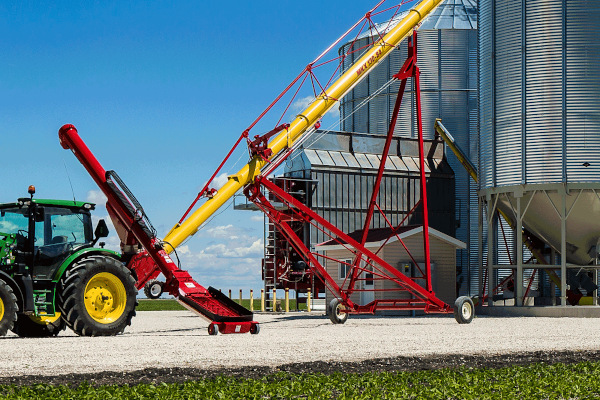 Westfield | Hoppers | X-Tend Retracting Swing Auger