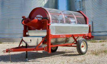 CroppedImage350210-FarmKing-GrainCleaner-Model.jpg