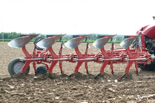 Kongskilde | FULLY MOUNTED REVERSIBLE PLOUGH | Model KONGSKILDE XRWT ON LAND
