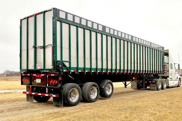 Art's Way | Hay & Forage Equipment | 7200 Forage Boxes